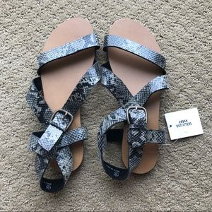 Urban Outfitters Maddie Leather Sandals Snakeskin